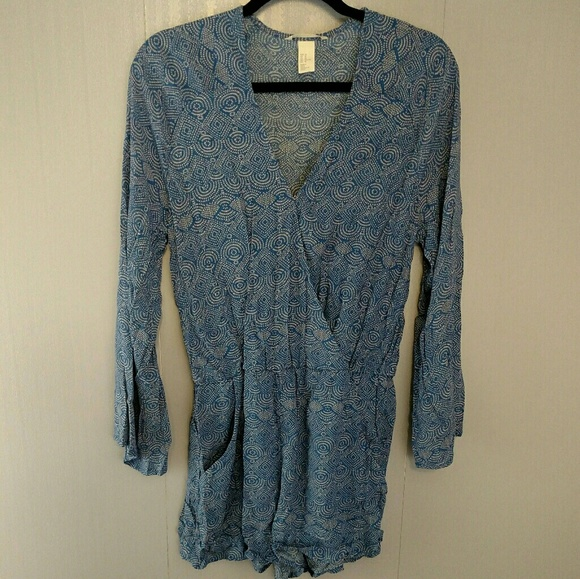 H&M Pants - H&M Romper Blue Long Sleeve Geometric Print